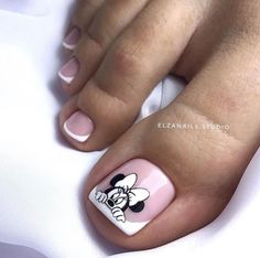 Make up & Nails Kitchen Islands: The Right Choice for You? Simple Toe Nails, Pretty Toe Nails, Cute Toe Nails, My Nails, Pedicure Nail Designs, Pedicure Nail Art, Toe Nail Designs, Toe Nail Color, Toe Nail Art