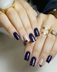 Semi-permanent varnish, false nails, patches: which manicure to choose? - My Nails Chic Nails, Stylish Nails, Nagellack Design, Red Nail Art, Heart Nails, Nagel Gel, Cool Nail Designs, Gorgeous Nails, Blue Nails