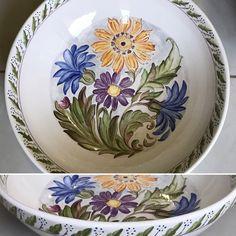 Pintura cerâmica à mão.