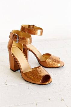 a1e3d5c9b3123 Mary Metallic Heel - Urban Outfitters Metallic Shoes