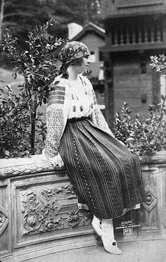 Princess Helen of Greece later Helen Queen Mother of Romania at the time of her engagement to Prince Carol Romanian Royal Family, Greek Royal Family, Grand Duchess Olga, Royal Queen, Queen Mother, Folk Costume, Queen Victoria, My Princess, Lace Skirt