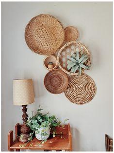 Boho Room, Boho Living Room, Living Room Decor, Bedroom Decor, Decoration Inspiration, Room Inspiration, Basket Decoration, Baskets On Wall, Decorative Wall Baskets