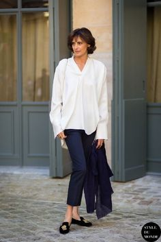 c00ed89ca2d9 Could I copy this but with a somewhat shorter top to balace my short  legs pear shape  Incredibly simple style  a white shirt