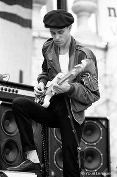 punk Paul Simonon by Youri Lenquette The Clash Band, Clash On, The Future Is Unwritten, Paul Simonon, Mick Jones, Pork Pie Hat, 70s Punk, Joe Strummer, Music Photo