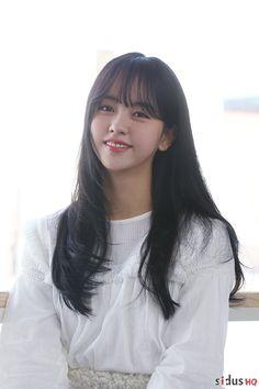 KIM SO HYUN cute Korean Beauty, Asian Beauty, Kim So Hyun Fashion, Hyun Ji, Kim Sohyun, Kim Yoo Jung, Korean Actresses, Korean Celebrities, Beautiful Actresses