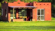 La Pausa, Cabaña en San Antonio de Areco Spanish Style Homes, Spanish House, Home Colour Design, House Design, Good House, Tiny House, Backyard Studio, Adobe House, Hacienda Style