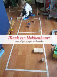 Maak een plattegrond van afplaktape en houten blokken. Leuk voor peuters en kleuters. van: www.mizflurry.nl Basketball Court, Education, School, Blog, Kids, Winter, Mardi Gras, Infants, Children