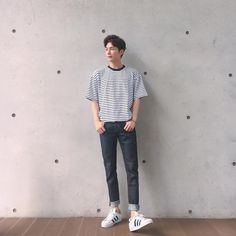 Pin by anton ventura on outfit in 2019 erkek giyim, giyim, kıyafet. Korean Fashion Men, Asian Fashion, Boy Fashion, Fashion Outfits, Korean Men Style, Fasion, Korean Fashion Summer Street Styles, Hip Hop Outfits, Trendy Outfits