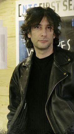 Neil Gaiman.. MMMMMMMHHHHMMMMM..