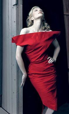 Cate Blanchett, photo by Annie Leibovitz for Vanity Fair, 2009