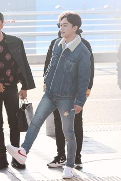 EXO Chen Incheon Airport to Fukuoka Airport Baekhyun Chanyeol, Exo Chen, Kpop Fashion, Korean Fashion, Mens Fashion, Airport Fashion, Kai, Kpop Exo, K Pop