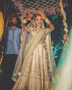 Bridal lehenga Designs Of 2019 ,Must Checkout Before Wedding Shopping Indian Bridal Outfits, Indian Dresses, Bridal Dresses, Indian Bridal Fashion, Lehenga Designs, Bride Entry, Best Bride, Lehenga Collection, Indian Wedding Photography