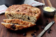 Recipe: One Pot Cinnamon Raisin Bread - interesting take on my favorite cast iron pot artisan bread- I think I might try this, and compare it to just adding the swirl to my normal recipe too
