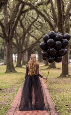 58 ideas birthday photoshoot poses - Funeral for youth - Birthday&Gifts 30th Birthday Ideas For Women, 30th Birthday Themes, Birthday Outfit For Women, Birthday Woman, Birthday Crafts, Birthday Balloons, Women Birthday, Birthday Party Photography, Birthday Pictures
