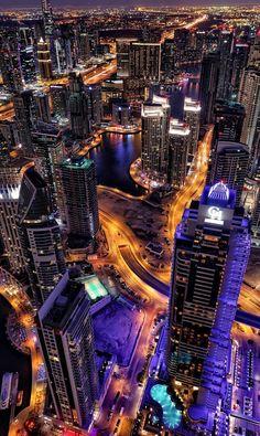 Night life in a big city. LO