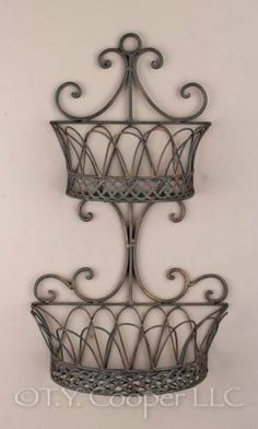 Wrought Iron Decor, Iron Wall Decor, Basket Planters, Wall Planters, Baskets On Wall, Wall Basket, Cool Gadgets To Buy, Iron Furniture, Tuscan Decorating