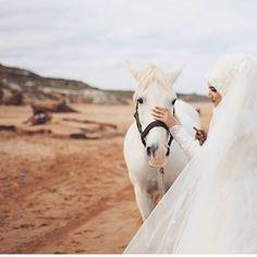 """1,899 Beğenme, 7 Yorum - Instagram'da Tesettür Düğün Foto Gelinlik (@tesetturdugun): """"Önerilen sayfa @fotobaski @fotobaski @fotobaski @fotobaski @fotobaski @fotobaski @fotobaski…"""""""