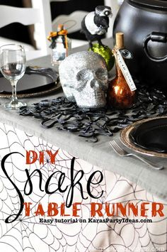 Awesome Snake Table Runner DIY Tutorial! Creepy for Halloween! Charger and other halloween decor, too! Via Kara Allen | KarasPartyIdeas.com #halloweenpartyideas (17)