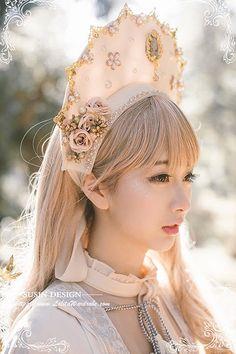 Susin -Gaea and Rhea- Vintage Classic Lolita Crown Harajuku Fashion, Lolita Fashion, Diy Fashion, Vintage Fashion, Womens Fashion, Gothic Outfits, Girly Outfits, Crown Aesthetic, Fantasy Dress