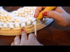Loom Knit Chunky Seed Stitch Cowl - YouTube