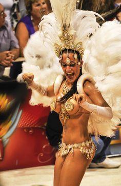 Shake it at Gualeguaychu Carnaval, Argentina's most Brazilian carnival celebration!
