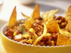 Würziger Hackfleisch-Bohnen-Auflauf mit Nachos ist ein Rezept mit frischen Zutaten aus der Kategorie Hülsenfrüchte. Probieren Sie dieses und weitere Rezepte von EAT SMARTER!