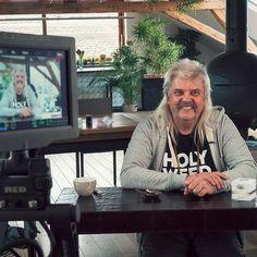 Shooting day for YouTube coming soon... #redcamera #bernardrappaz #youtube #behindthescenes #holyweed #cannabislegal #cbd #bio #chanvre #hanf #cannabis #swiss #legend #video #swisscbd
