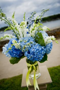 yellow and blue bridal bouquets | Blue, Yellow and white wedding