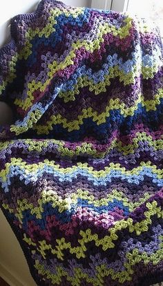 Granny ripple~this would make a gorgeous baby afghan!