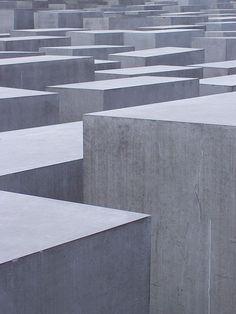 Full Size Picture Denkmal für die ermordeten Juden Europas .jpg