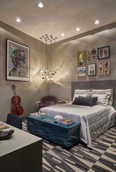 """Quarto de menino - By Fernanda Albert (para mostra de arquitetura) """"A arquiteta uniu temas como arte, música e esporte, gostos de um jovem antenado, para alcançar um mood moderno e descolado. As necessidades básicas foram celebradas em um mobiliário prático e funcional. A paleta de cores é contemporânea e mistura tons de cinza com roxo, preto e azul..."""" No Casa Vogue"""