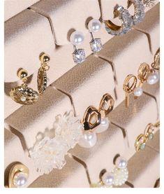 Organizador de joyas exhibición de joyas soporte de perno de | Etsy Pearl Earrings, Pearls, Etsy, Jewelry, Fashion, Wood Display, Stud Earrings, Bangle Bracelets, Jewellery Display