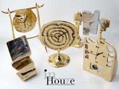 Rough and Sculptural in Time......  Søger du et anderledes og unikt ur som du ikke bare lige finder i hvert et hjem så besøg vort afsnit med eksempler på David Marshalls mange ur fortolkninger www.Artkaderne.dk/Ure