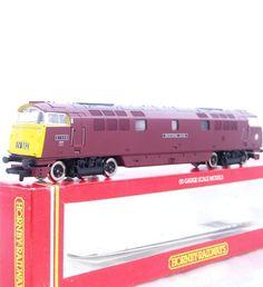 HORNBY R101 - BRITISH RAIL BR MAROON WESTERN CLASS 52  WESTERN KING  No.D1039