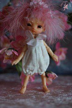 "SOLD OOAK Fidelia Firefly Faerie ""CherryFae"" salmon pink Glow-in-the-Dark ORANGE Tiny 11cm - Charles' Creature Cabinet"
