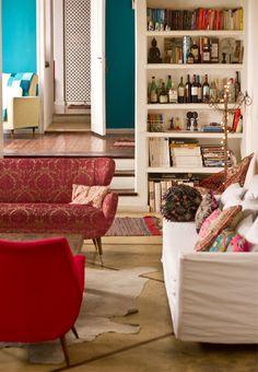 La casa y el estudio de Maica González / Maica González's home-studio Decor, Home Decor Inspiration, Home Living Room, Interior, Home, Taupe Walls, Cool Rooms, Home And Living, Red Decor
