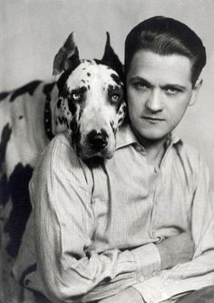 European superstar Eugeniusz Bodo, with his dog Sambo - photo by Benedykt Jerzy… Vintage Photography, Art Photography, Jewish Ghetto, Warsaw Uprising, Famous Portraits, Culture Pop, Bodo, Human Soul, World War Two