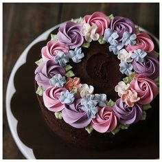 Kuchen mit wunderschönen Buttercreme Blumen