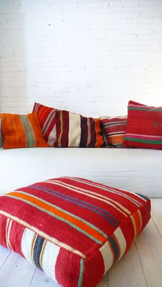 Moroccan Kilim pillow cover Stripes por lacasadecoto en Etsy
