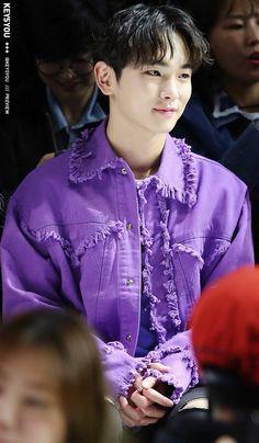 171020 SHINee Key at 2018 S/S HERA Seoul Fashion Week for Kye