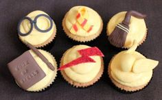 HP cupcakes!! @Kara Fatino, this reminds me of when you all made me Harry Potter Cupcakes for my birthday.