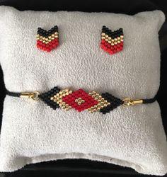 Jewelry set bracelet and Earring posts Chevron chic miyuki glass beads woven by hand - Jewelry set Handmade Wire Jewelry, Hand Jewelry, Seed Bead Jewelry, Handmade Bracelets, Earrings Handmade, Jewelry Sets, Beaded Jewelry, Glass Jewelry, Loom Bracelet Patterns