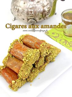 cigare aux amandes et miel World Recipes, Chef Recipes, Sweet Recipes, Arabic Sweets, Arabic Food, Sweet Cookies, Sweet Treats, Cookie Desserts, Dessert Recipes