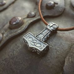 Check out this item in my Etsy shop https://www.etsy.com/se-en/listing/501049294/thors-hammer-sterling-silver-mjolnir