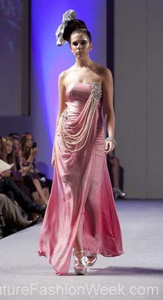Sushma Patel 꾸뛰르 패션위크 뉴욕 봄컬렉션 2013 #패션위크#패션#꾸뛰르#SushmaPatel#스타일#여자#모던디자이너#모델#패션쇼#뉴욕
