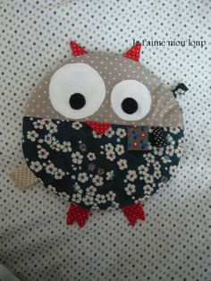 doudou plat hibou Baby Couture, Couture Sewing, Sewing Toys, Baby Sewing, Sock Animals, Softies, Baby Toys, Baby Knitting, Comforters