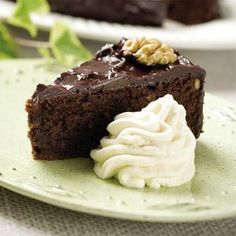 Makalöst god chokladtårta - Hemmets Journal I Love Chocolate, Chocolate Cake, Grandma Cookies, Cookie Box, Desserts, Journal, Dog, Chicolate Cake, Tailgate Desserts