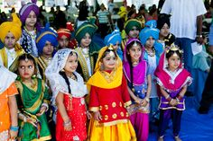 Children in Punjabi Bhangra (Bhangara) Customs  Source: www.punjabilinks.com