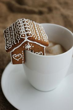 Mini Gingerbread Houses for your Mug by lydiabakes, via Flickr