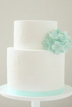 hello naomi: mint #wedding #cake.  Get inspired at diyweddingsmag.com